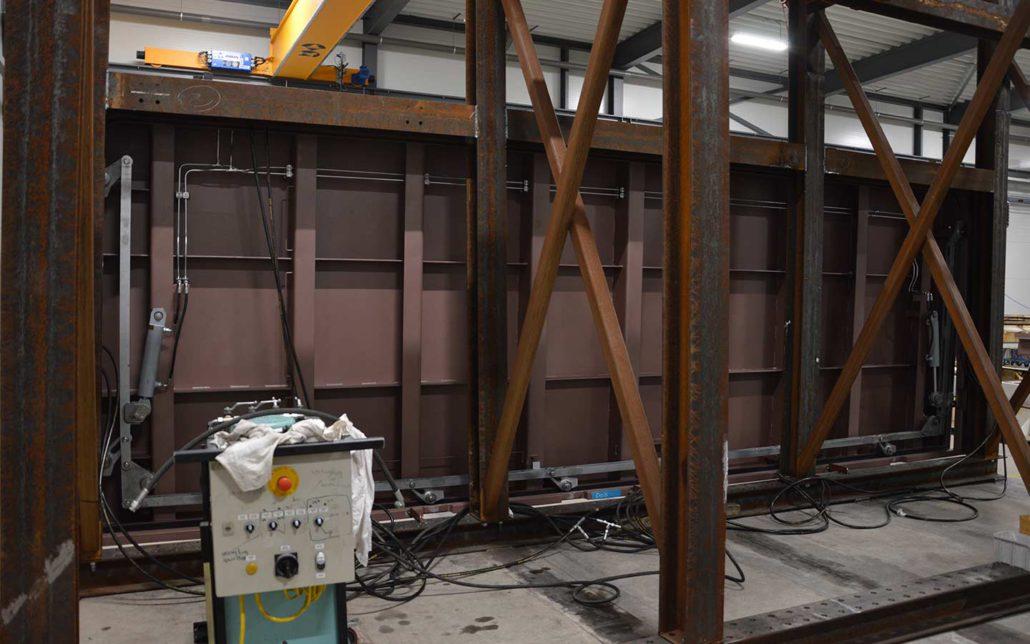 Newthex - Navy elevator lift door