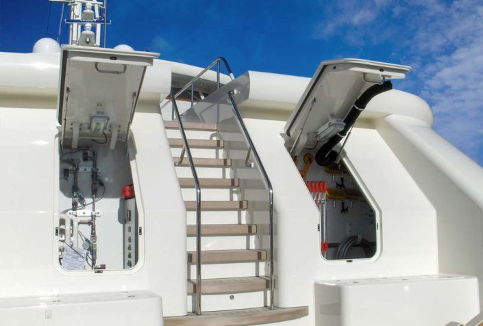 newthex-new-web-yacht-Weather-tight-lockers-for-convenient-fore-deck-storage-1700x1150